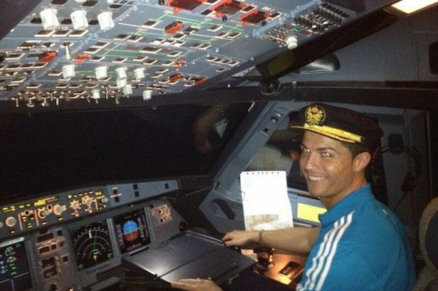 Cristiano Ronaldo 'buys Gulfstream private jet for €19million'
