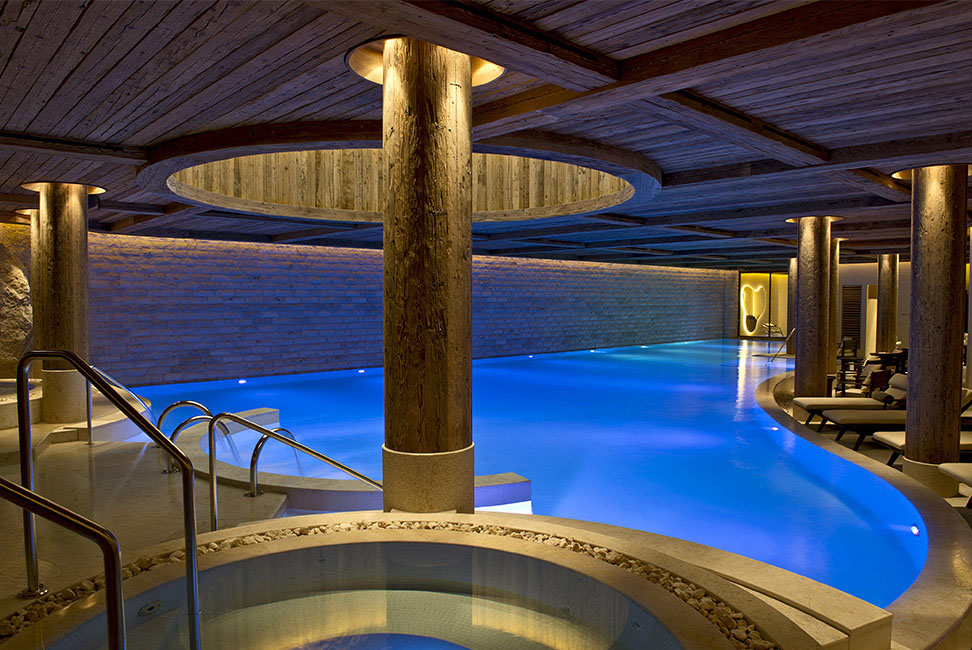 Alpina Gstaad pool