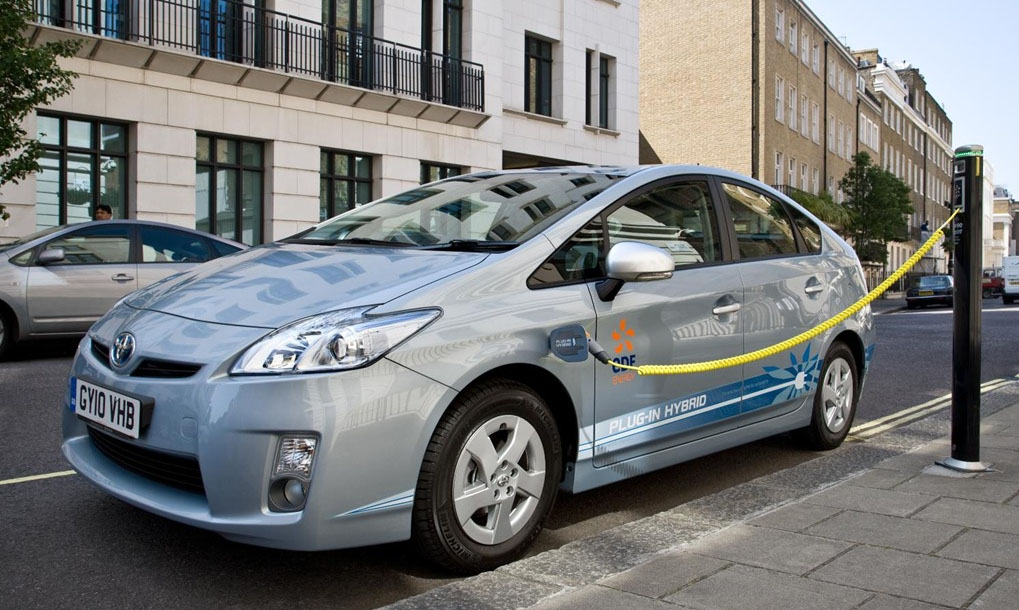 Things To Know About Fuel Efficient Hybrid Electric Cars