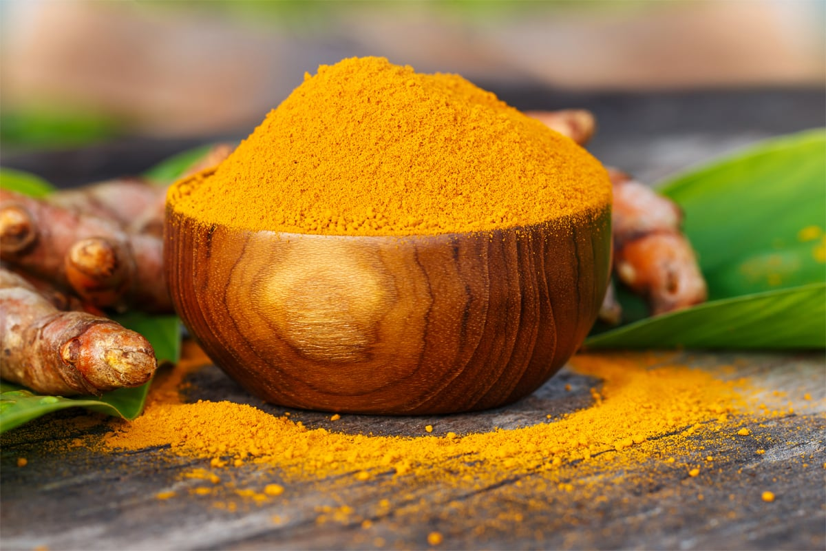 Turmeric: an anti-cancer agent that helps treat sprains and swelling, and make the skin better