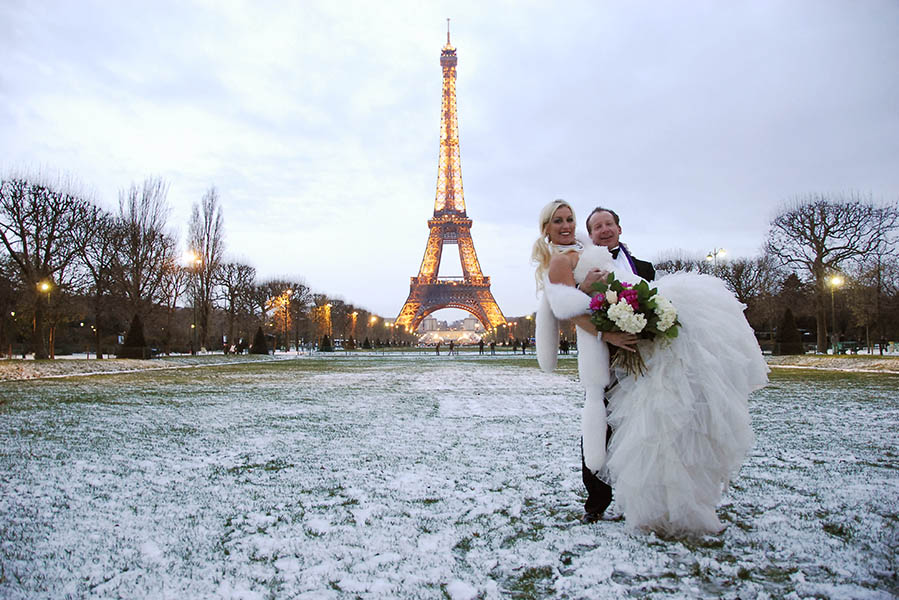 Tips for planning an overseas wedding in paris viral rang for Where to go for a honeymoon