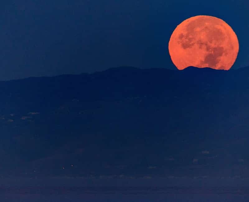 Venice Beach welcomed in the Supermoon with this spectacular view