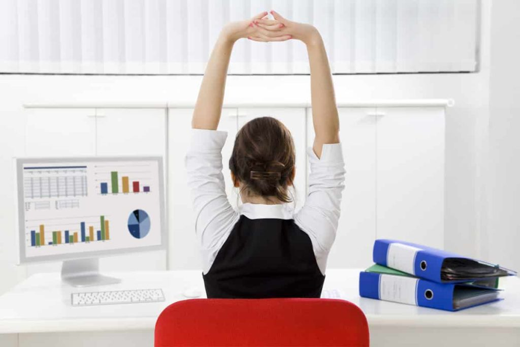 Valuable Tips For Staying Healthy At Your Desk Job