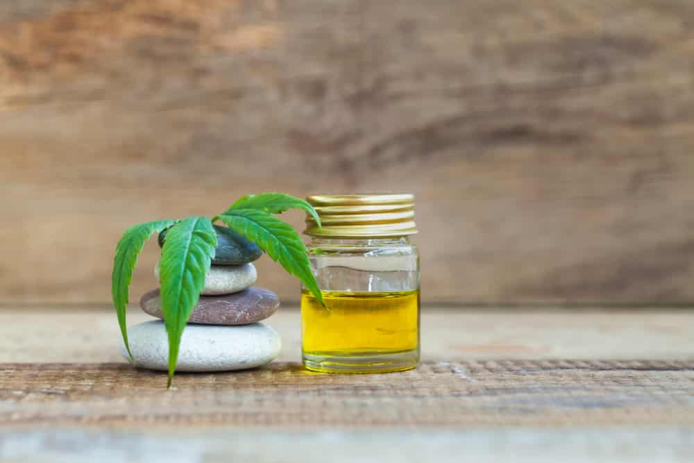 5 Pros and Cons of Organic CBD Oil
