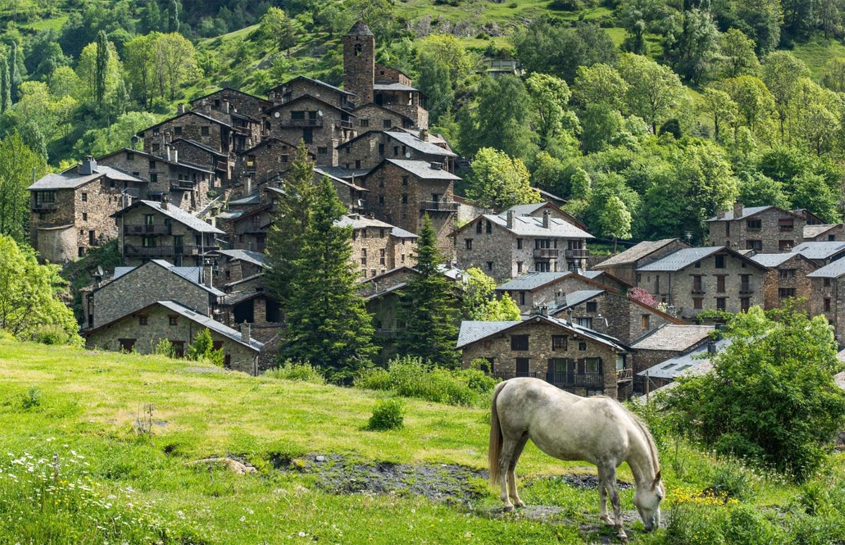 Andorra in the Pyrenees will certainly supply a residency permit to any non-EU national who spends $475,000 (₤ 359k) or more on residential or commercial property.
