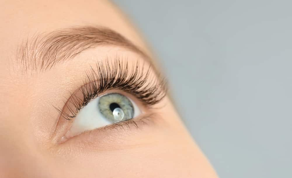 Eyelash Grow - A Little Magic Helps