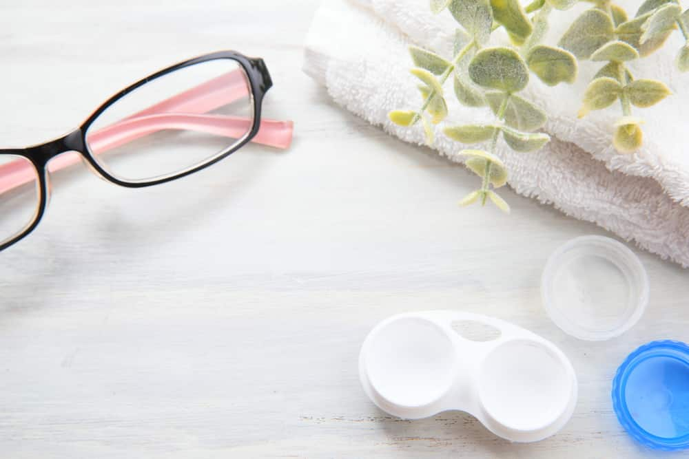 Glasses versus Contacts, Both options come with their own set of advantages and disadvantages