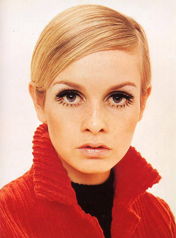 Twiggy is best known for her waif-like figure, dramatic eyelashes, and boyish haircut
