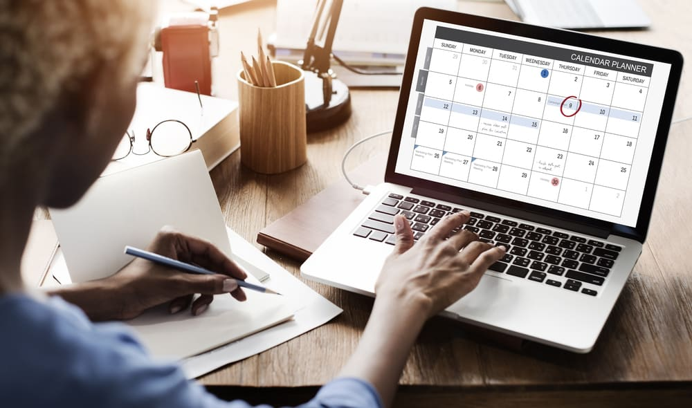 5 Reasons to Create a Work At Home Schedule