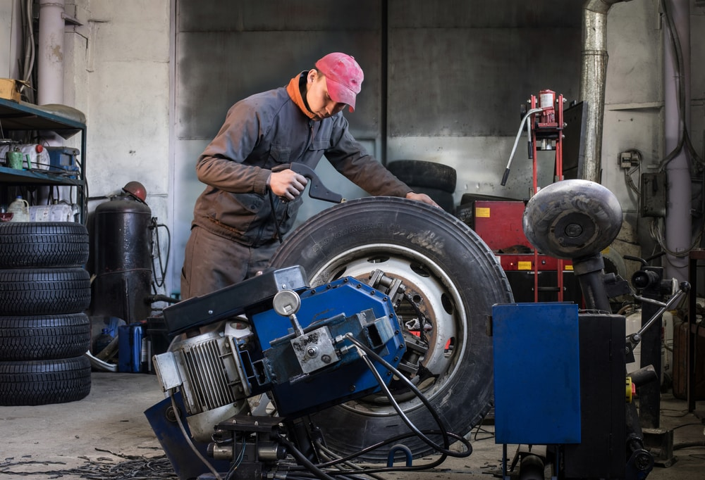 Truck Tire Machines - A Right Pick For Healthy Truck Tires