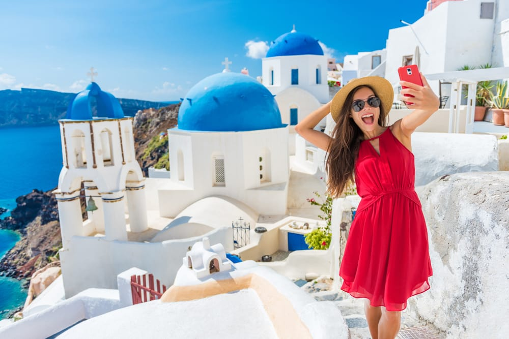 5 Tech Tips for Your Next International Vacation