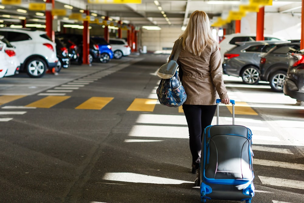 Things to Consider Before Booking For an Airport Parking