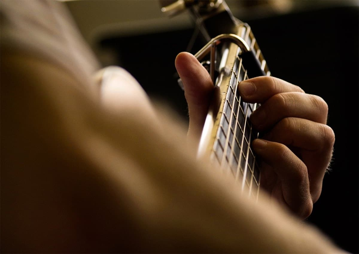 Set Your Fingers Right Learning Guitar