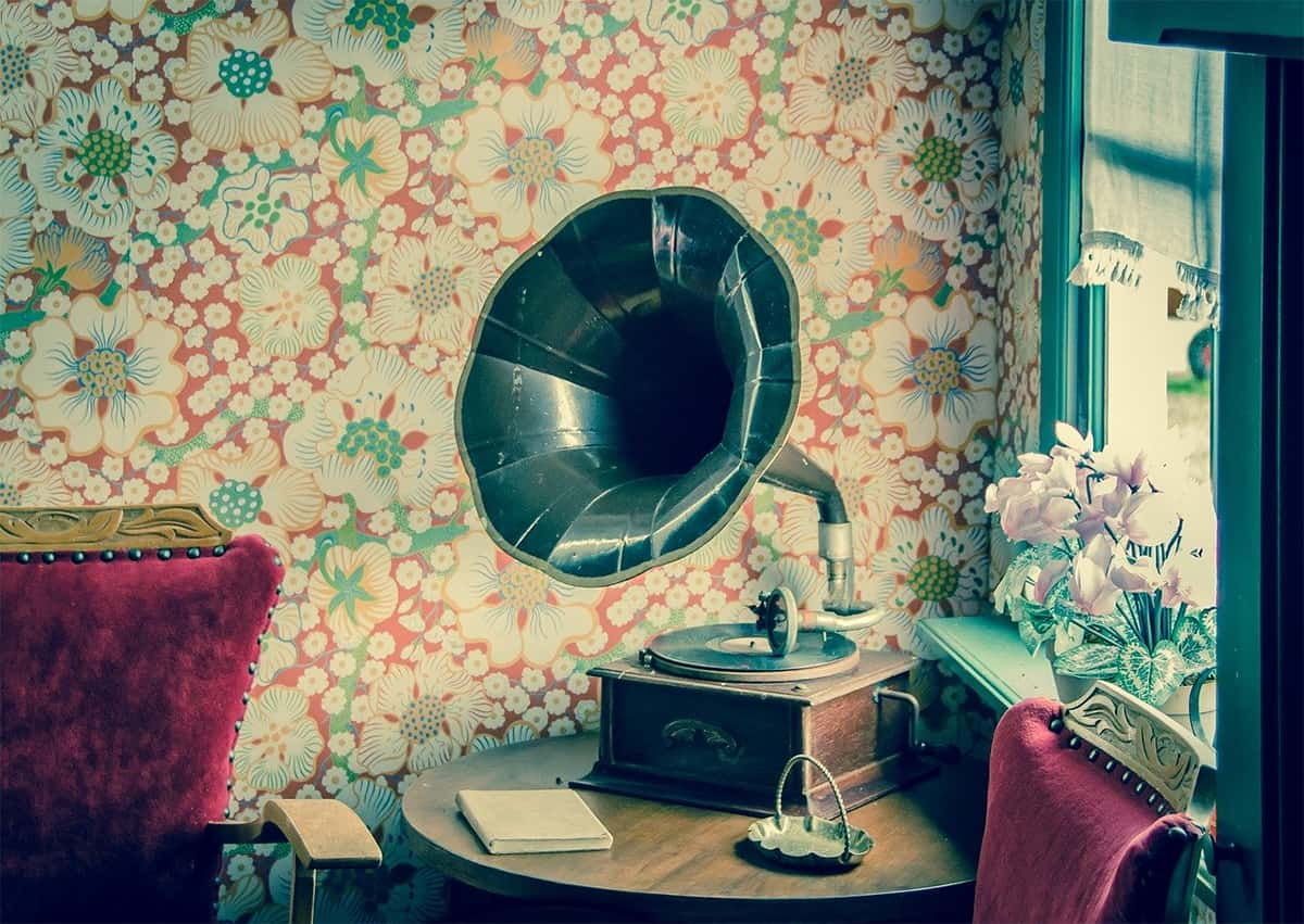 Record Player for the elegance of the room