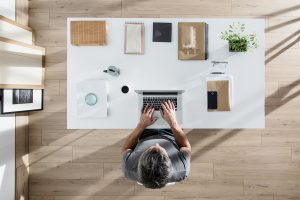 5 Ways Perfectionists Can Organize Everything at Their Desks