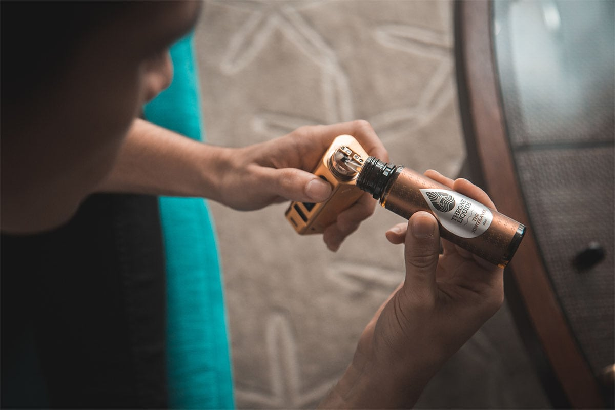 Myth Vaping, Vaping products contain nicotine